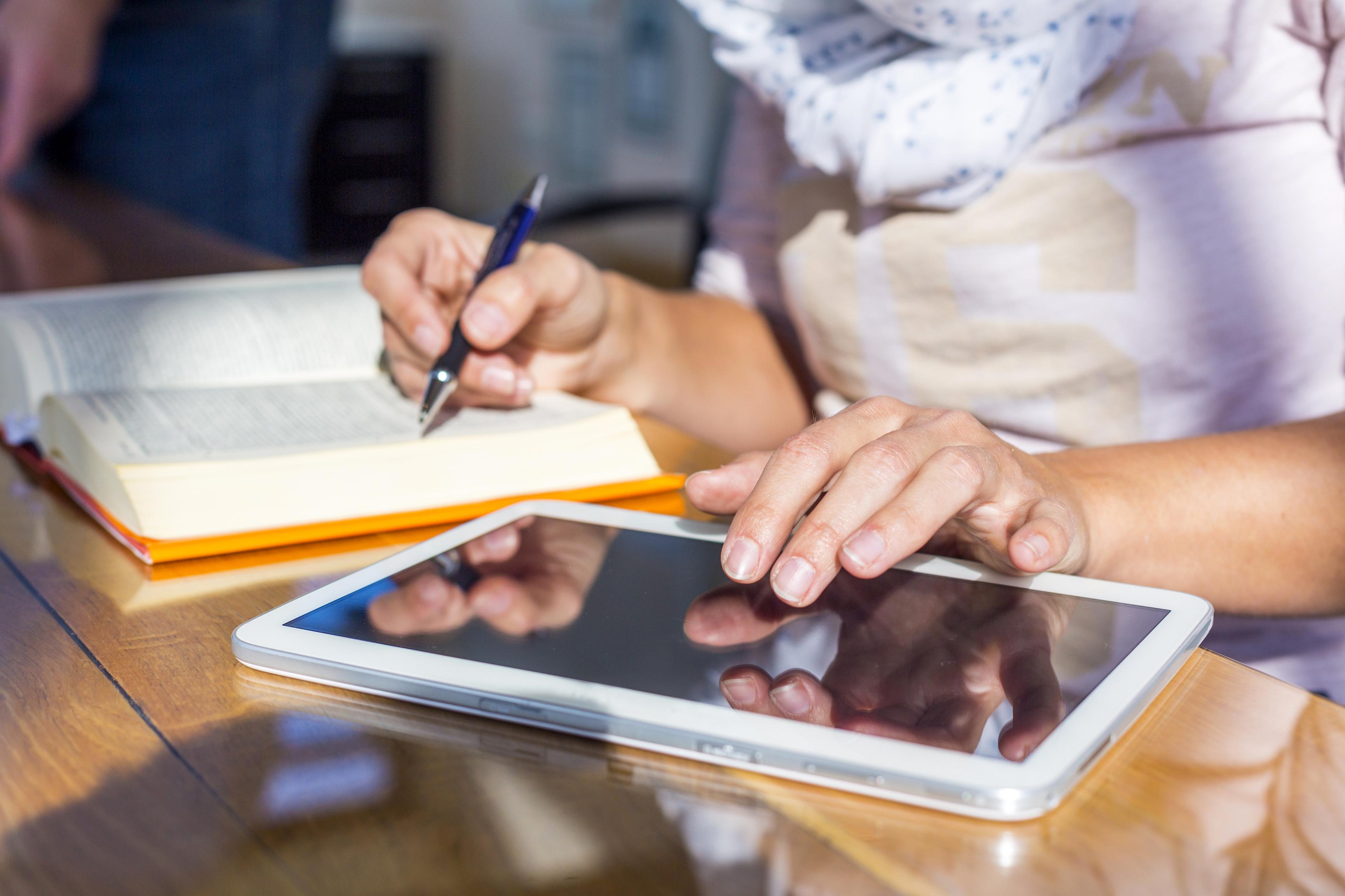 Digital unterstützter Unterricht in Präsenz und Distanz
