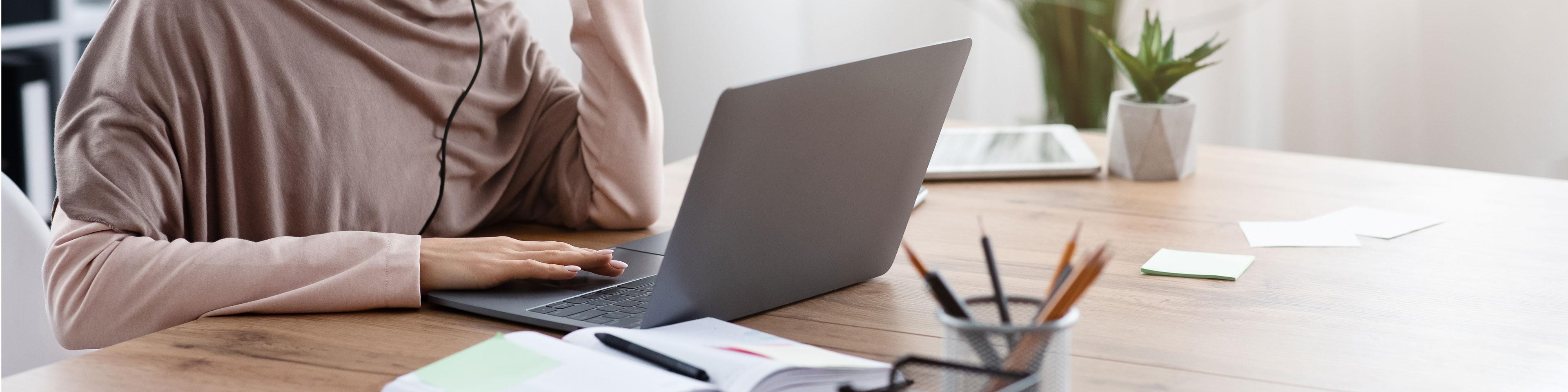 businesswoman laptop office