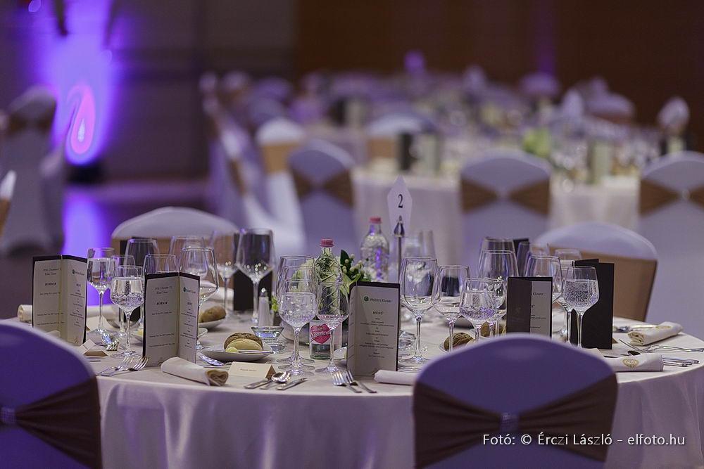 Jogaszdij2016-Asztal