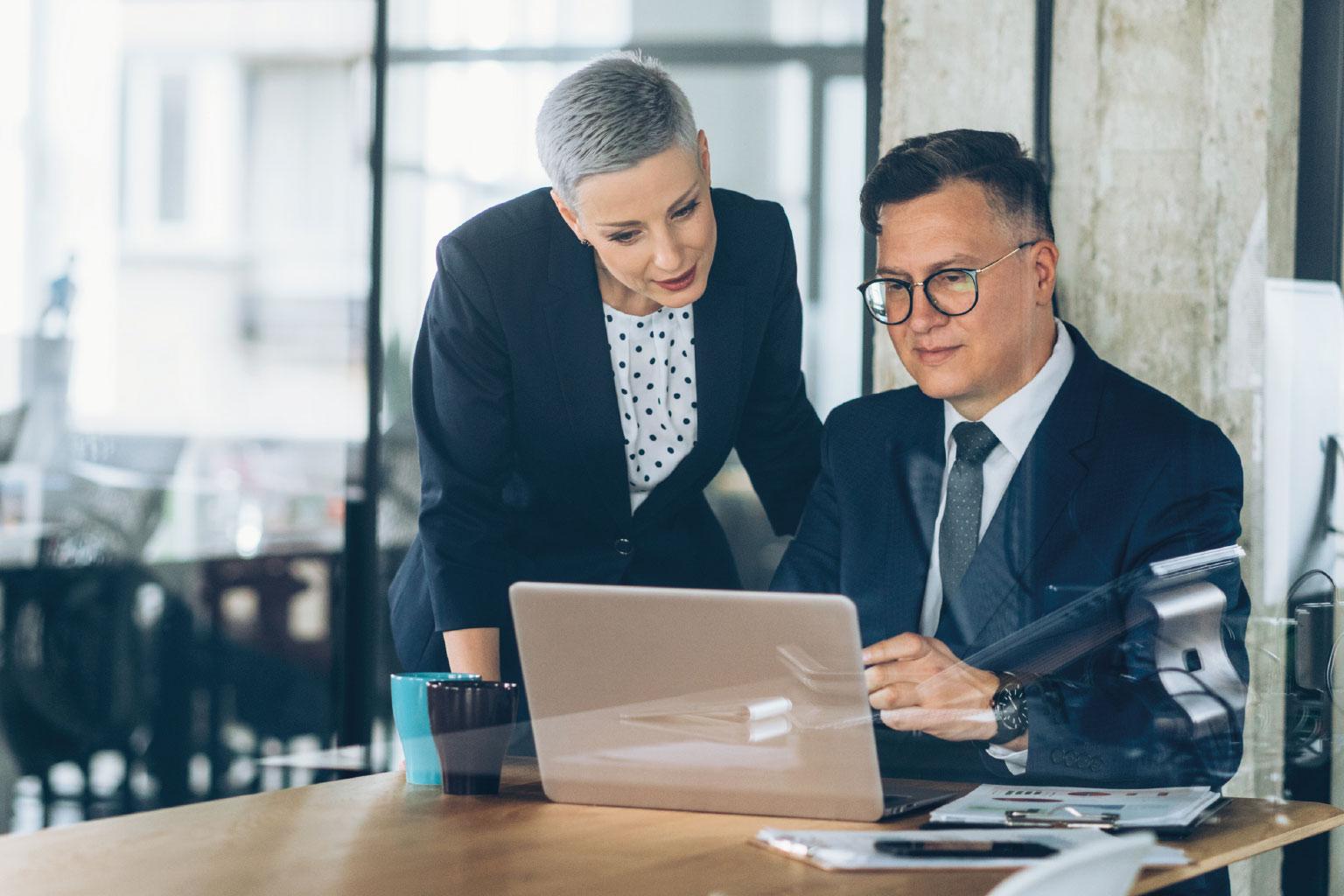 Pan z Panią przygotowują plan działalności w LEX Kontrola Zarządcza