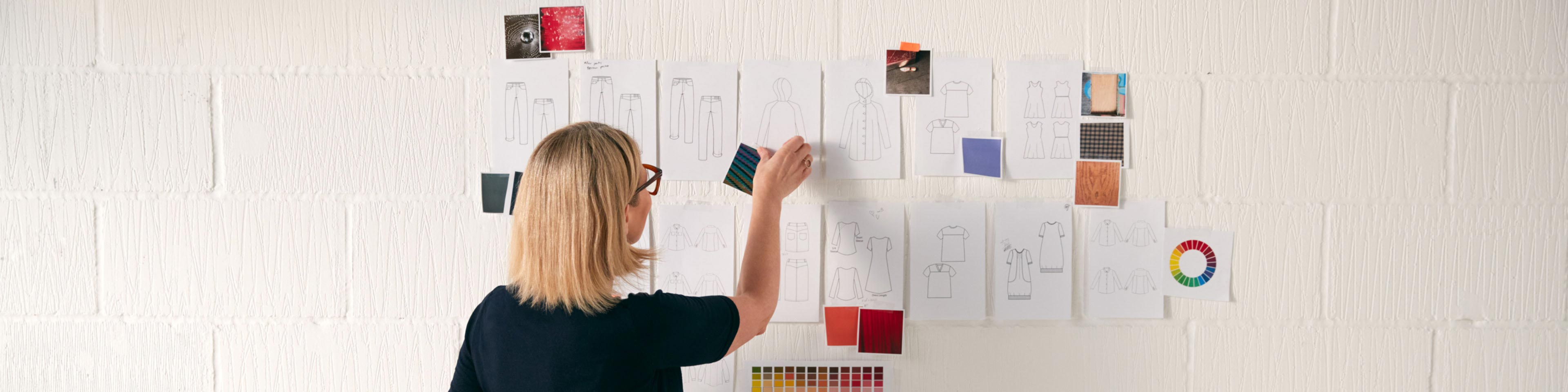 woman in advertising with sticky notes