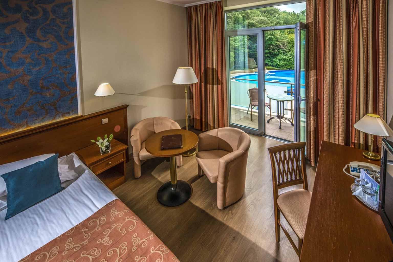 thermal-hotel-visegrad-szalloda-park-oldali-ketagyas-szoba3