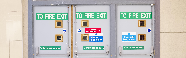 Segnaletica di sicurezza sul lavoro: quali normative la regolano?