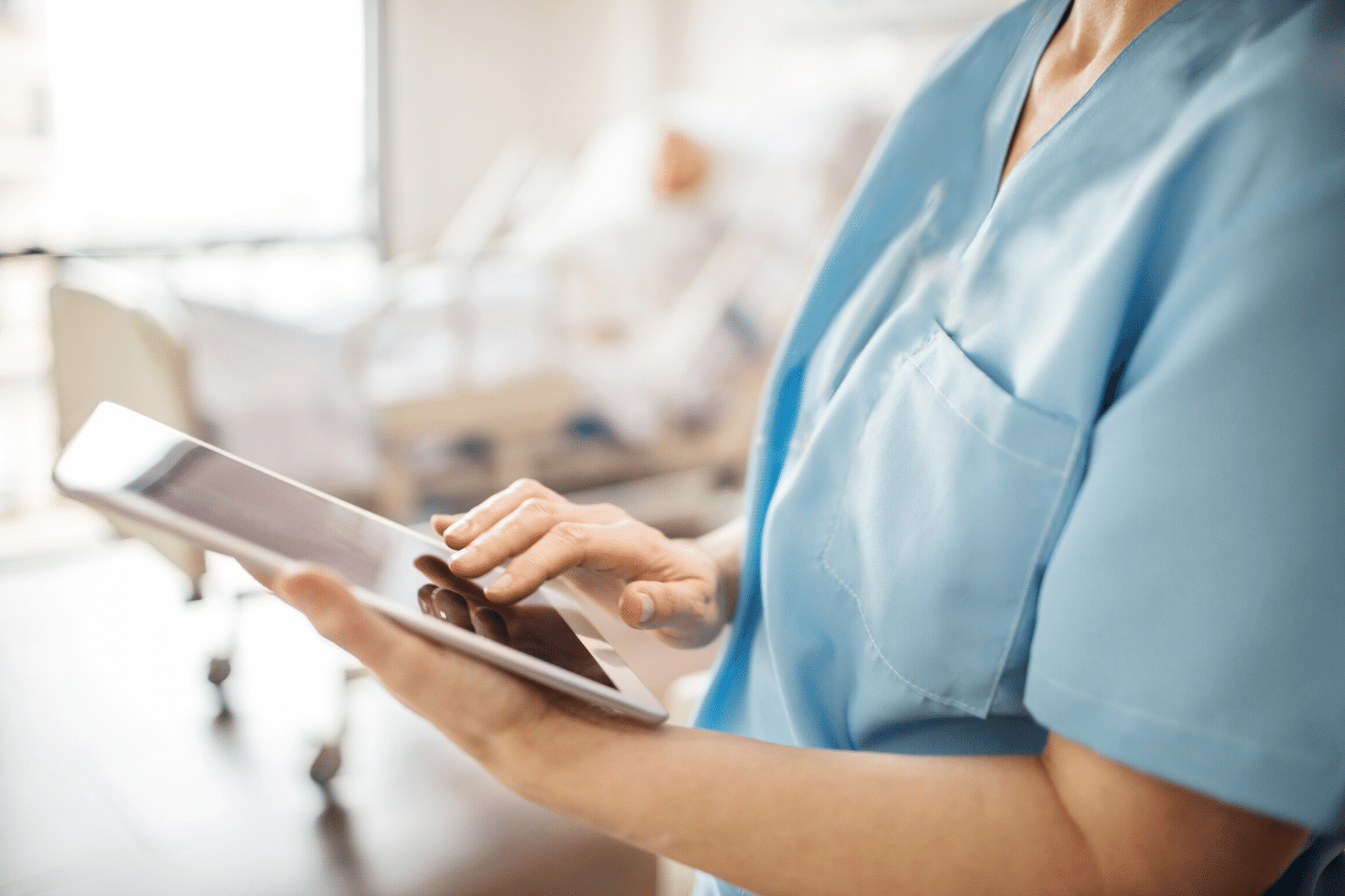 clinician-with-ipad