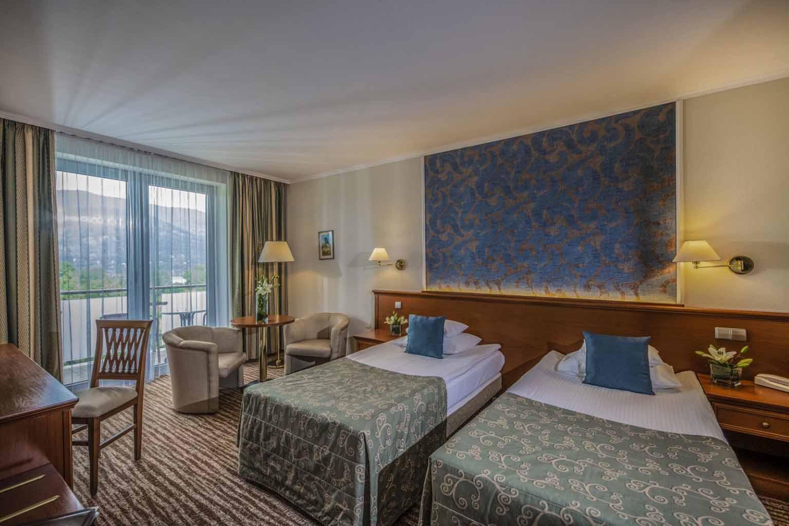 thermal-hotel-visegrad-szalloda-dunakanyarra-nezo-ketagyas-szoba5