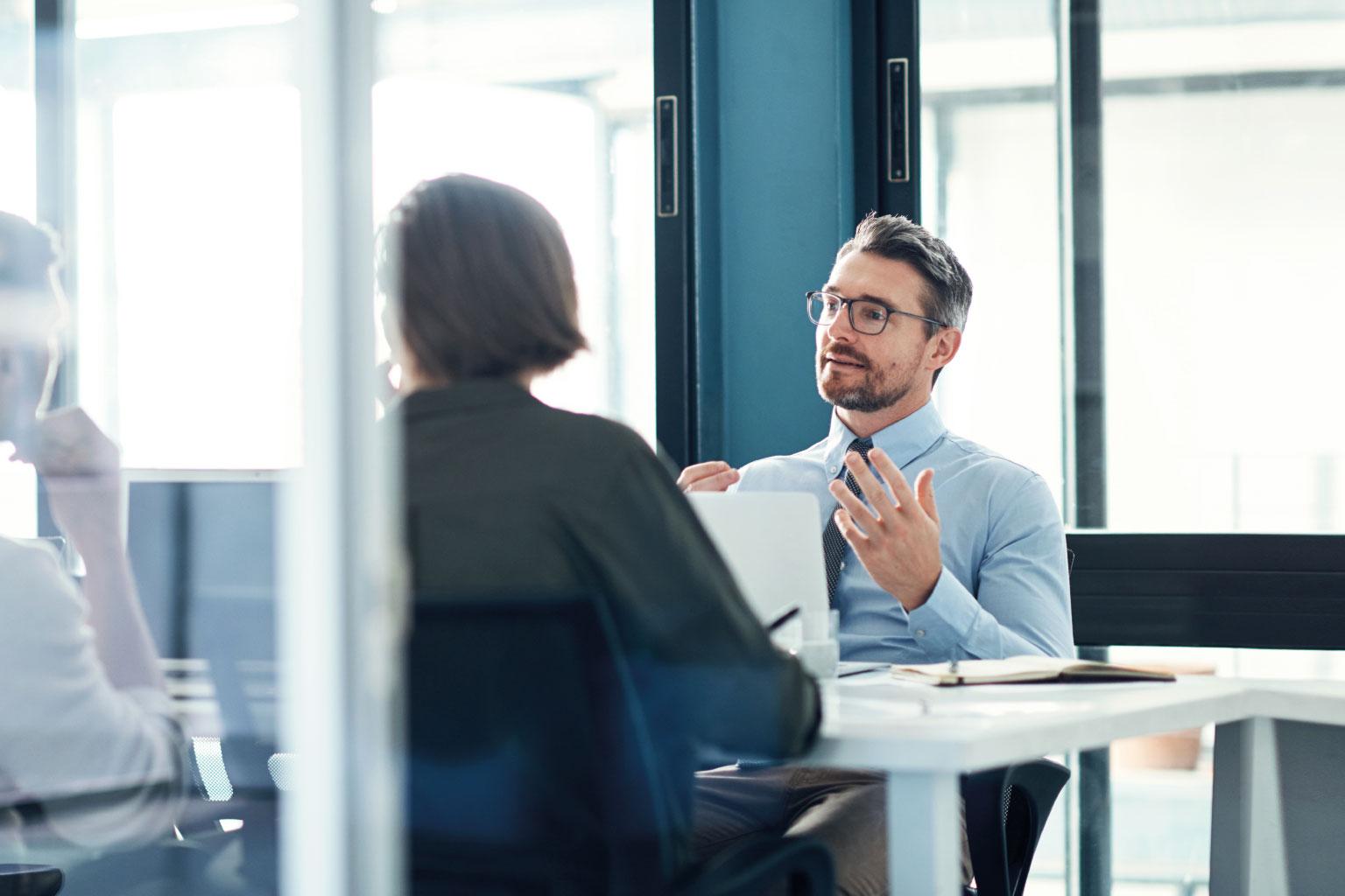 Komunikacja i monitorowanie procesów wewnątrz organizacji w oprogramowaniu GRC Manager