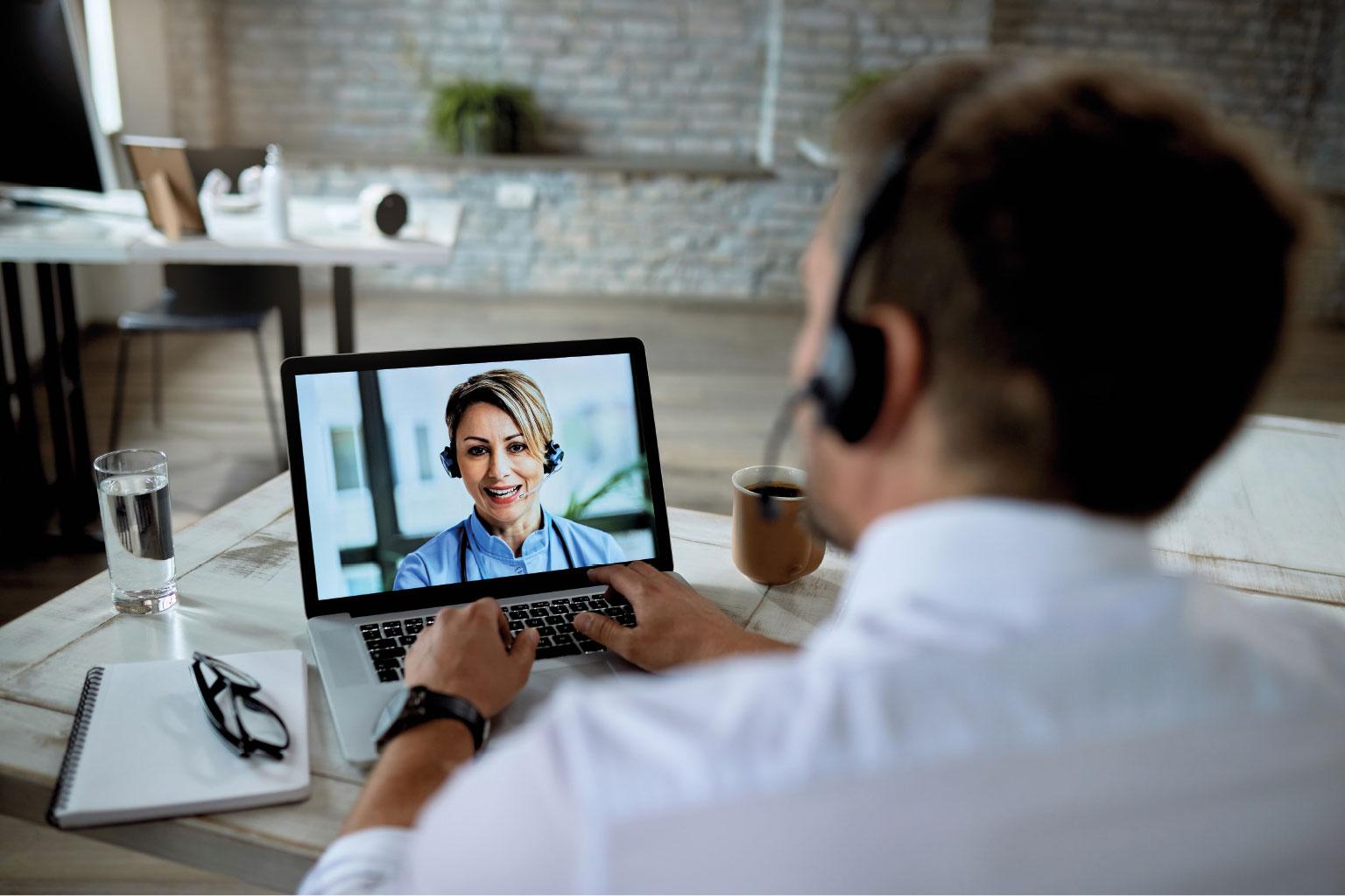 Konsultant LEX Medica wspiera klienta online