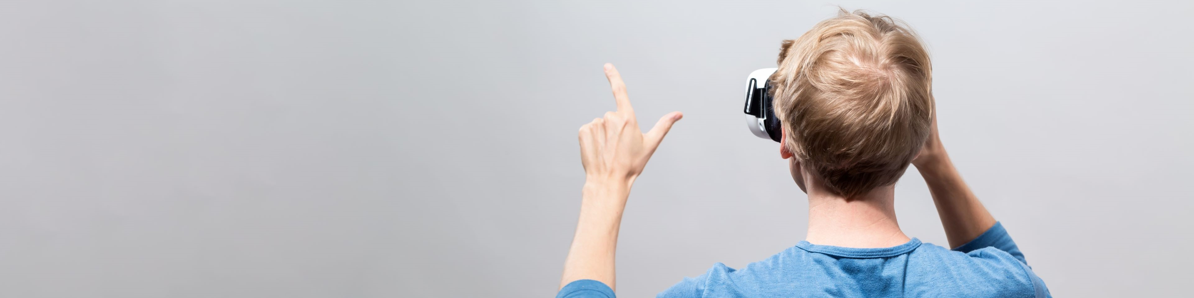 Mixed reality in medical education: Virtual patient interactions in real-world settings
