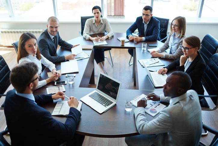 Grandi aziende - team ufficio