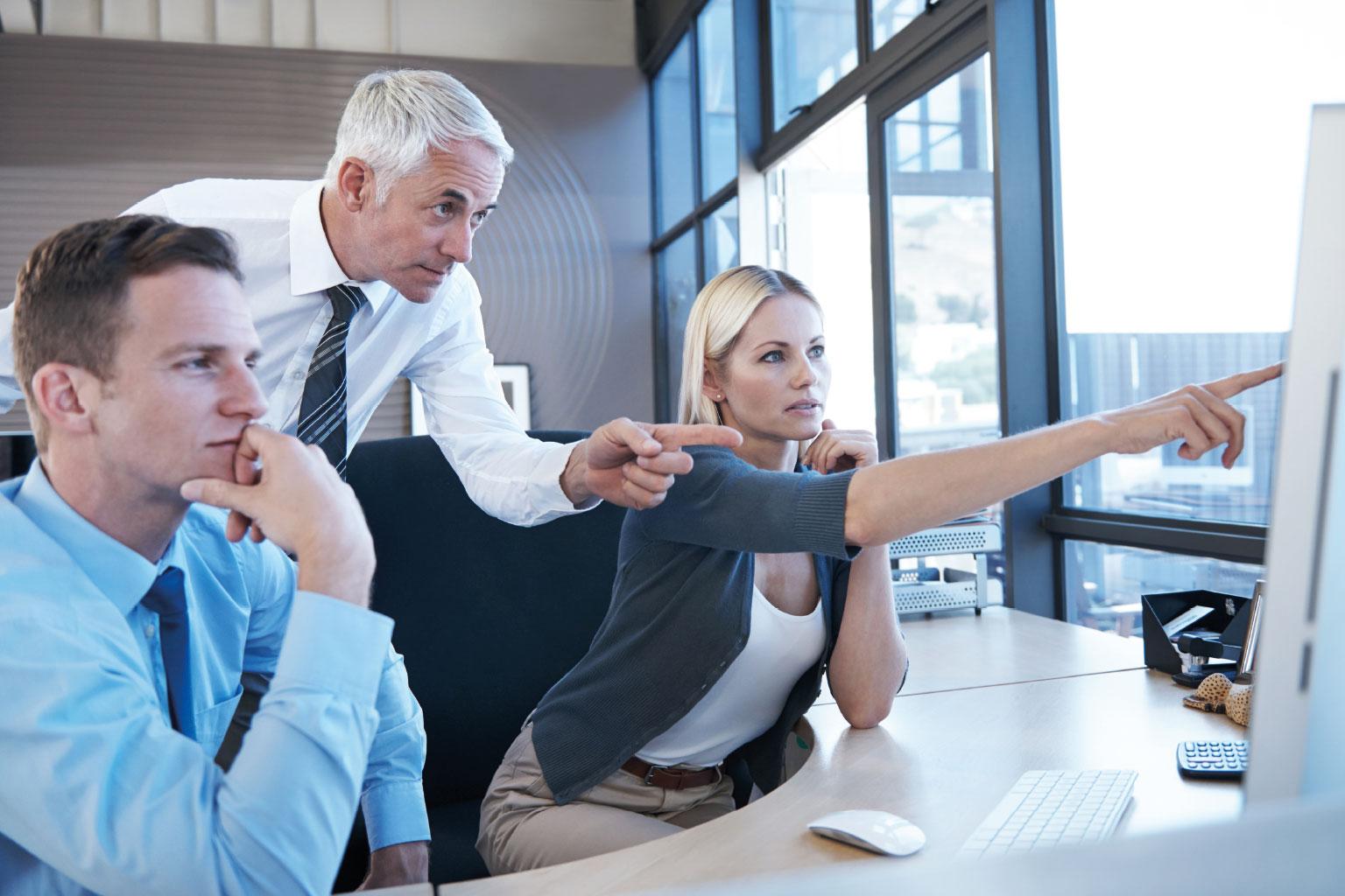 Bezpośredni kontakt z uznanymi ekspertami i praktykami