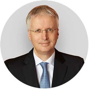 Dr-Jens-Soeren-Schroeder-rund