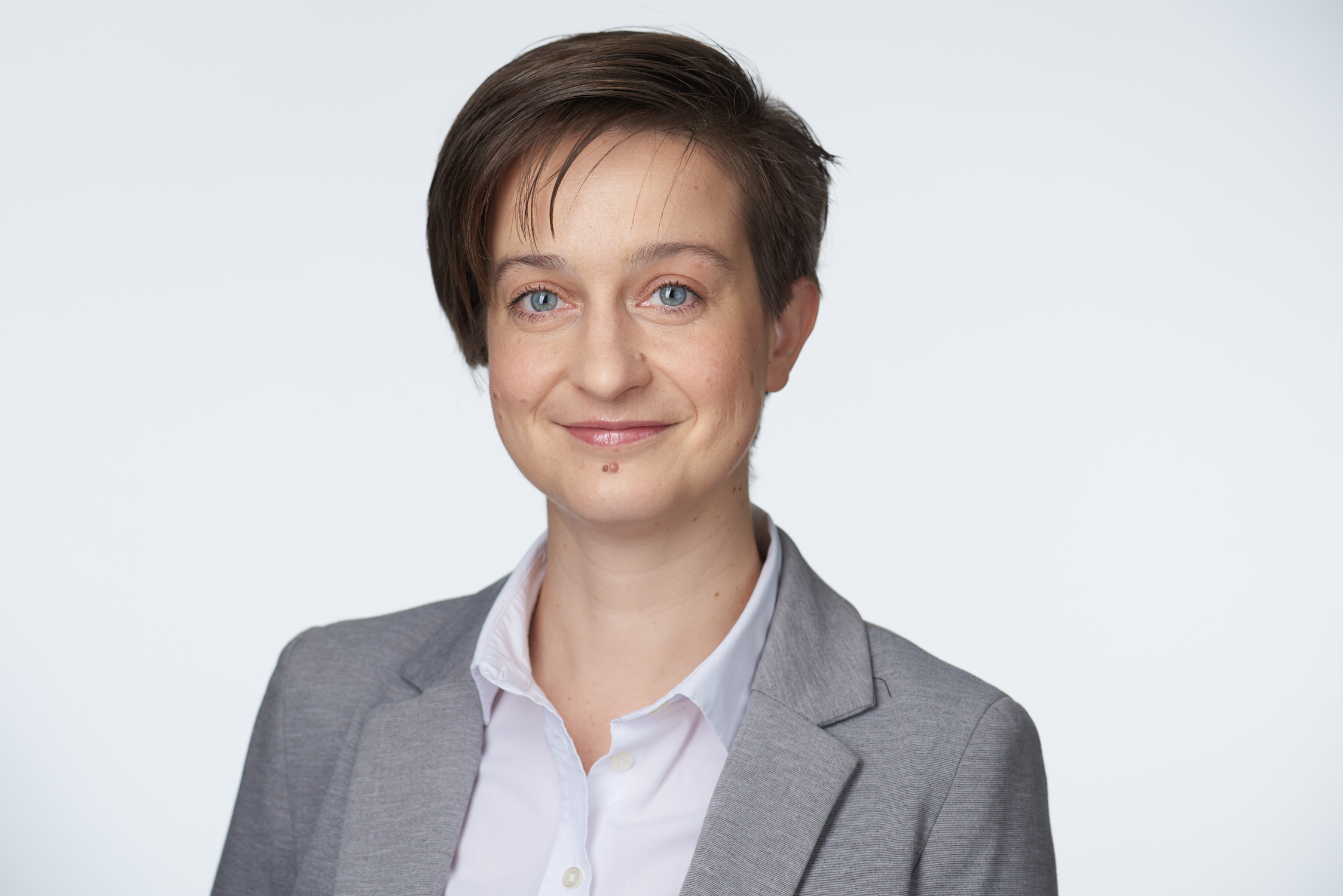 dr. Kricskovics-Béli Boglárka