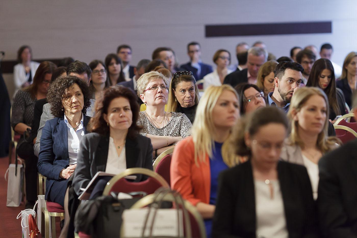 jogi-konferencia-resztvevok
