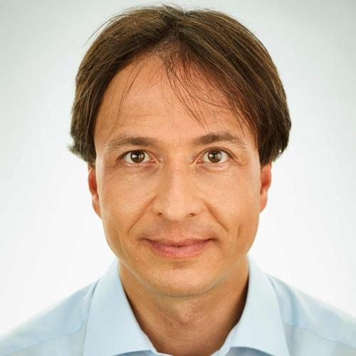 Dr. Andreas Neumann