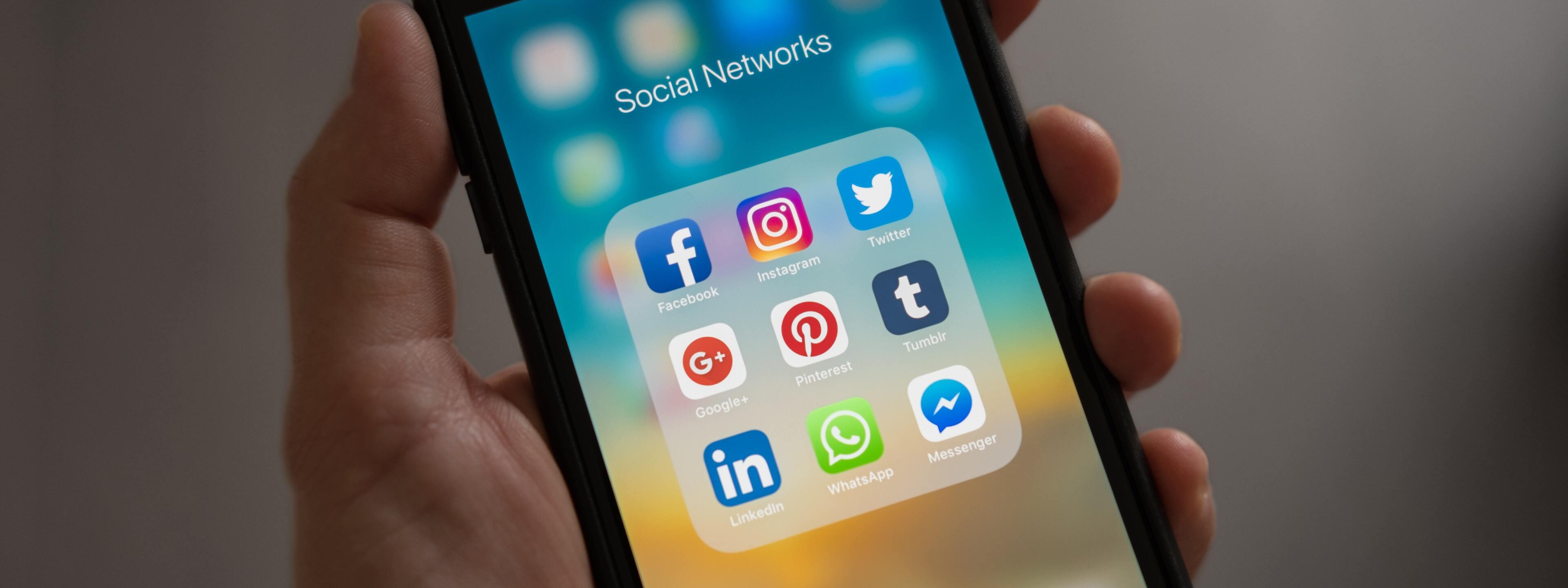 Sociale media op de werkvloer: vriendschapsverzoek aanvaard?