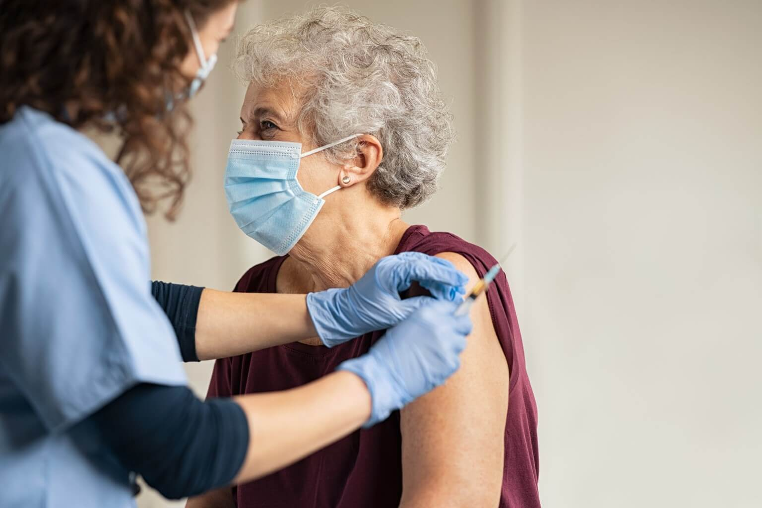 5 things hospitals need to know about managing COVID-19 vaccines from Wolters Kluwer