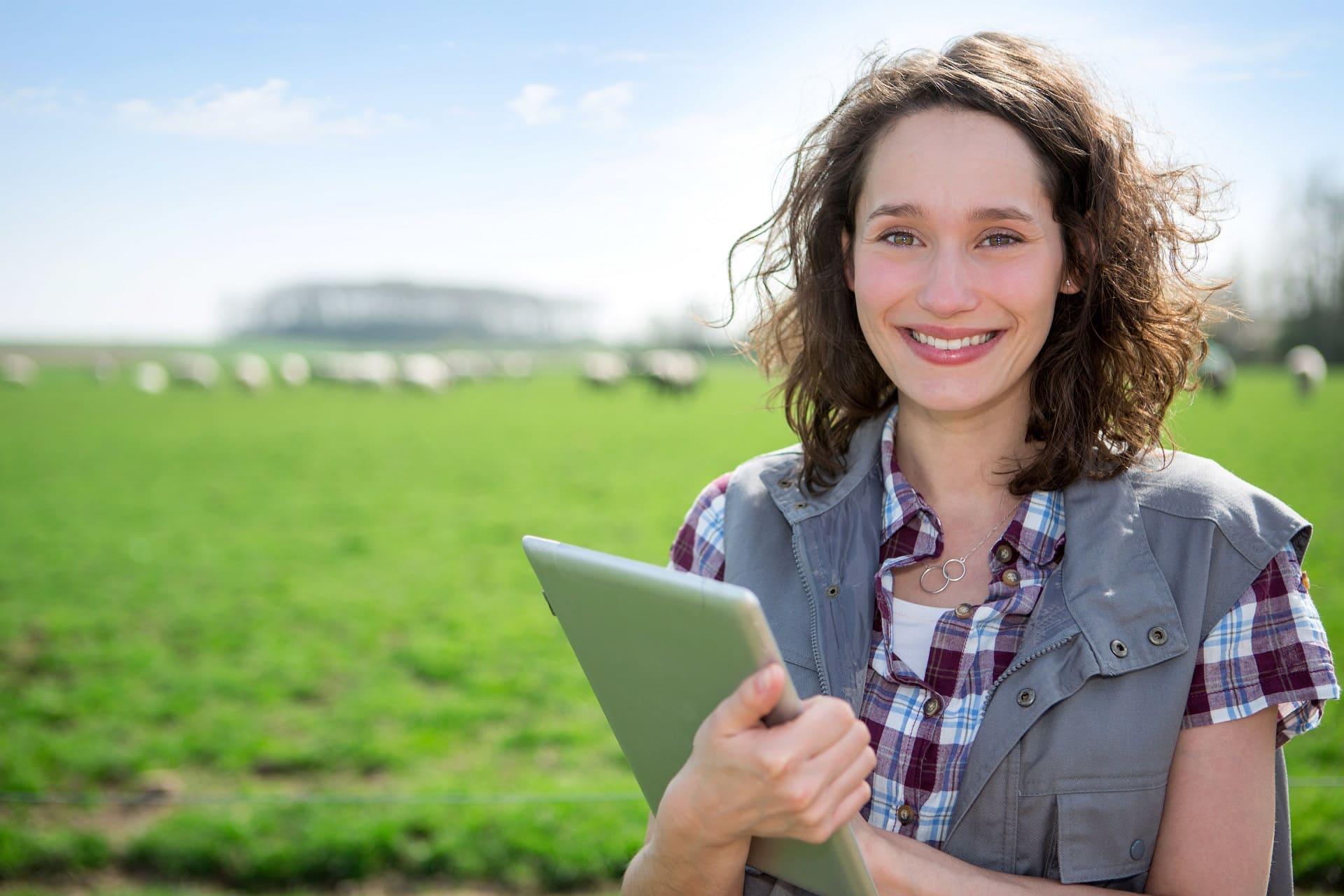 Accountant en agrarier bespreken financiele situatie