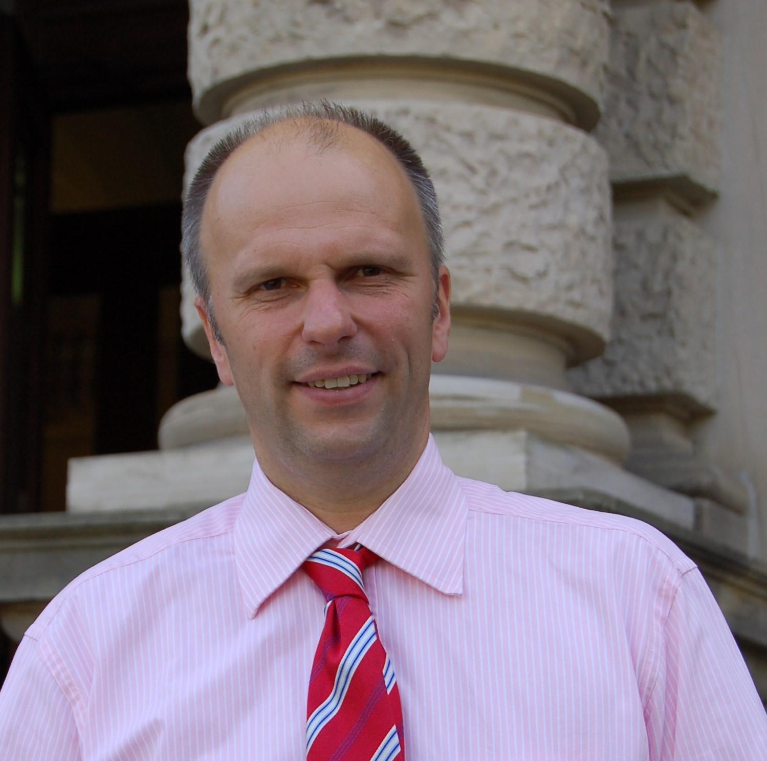 Dr. Andreas Schmidt