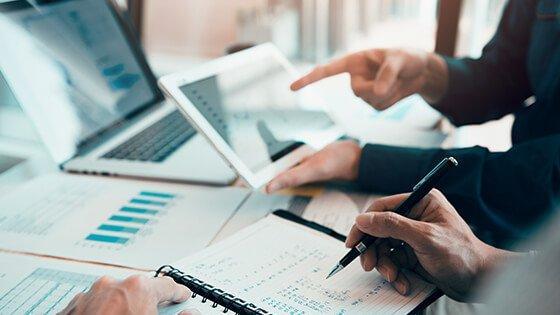 CPM Market Buzz: Expert Opinions